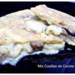 Tortilla de champiñones rellena de queso