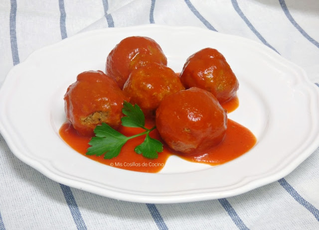 Albóndigas de soja texturizada con tomate
