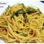 Espaguetis salteados con espárragos verdes