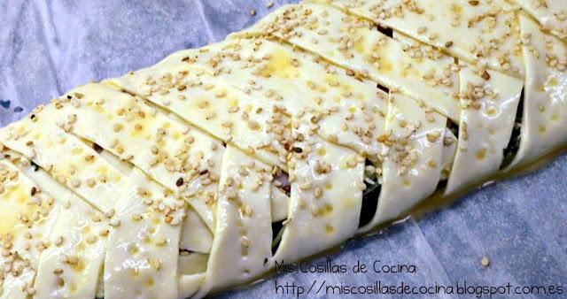 Trenza de Hojaldre con jamón espinacas y queso