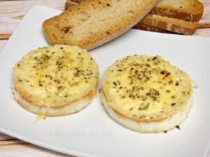 Medallónes de queso de cabra gratinado
