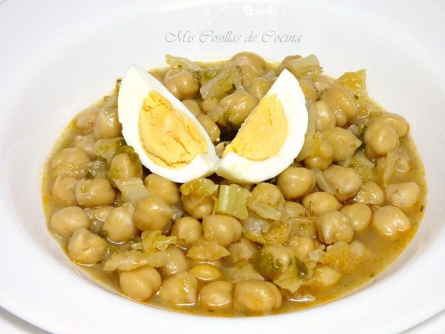 Potaje de garbanzos con col