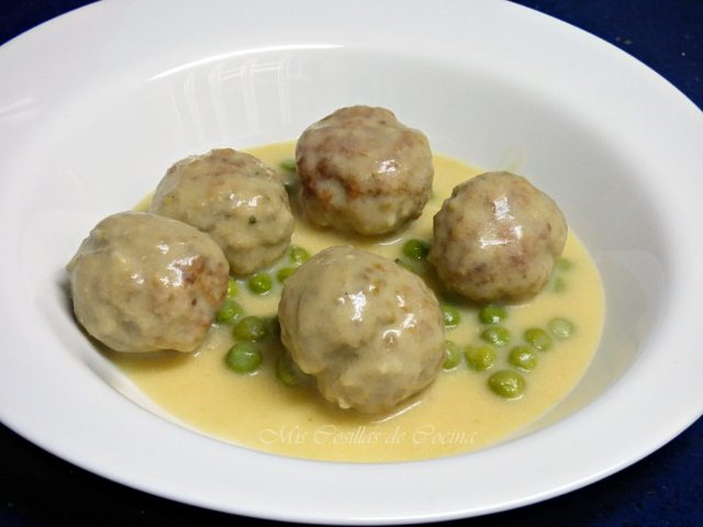 albondigas-salsa-queso