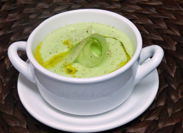 Crema de pepino, aguacate y yogur