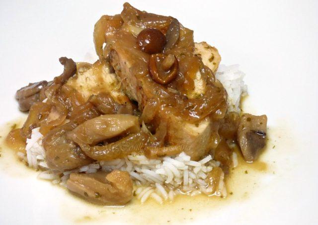 Solomillo de pavo a la sidra con setas y arroz