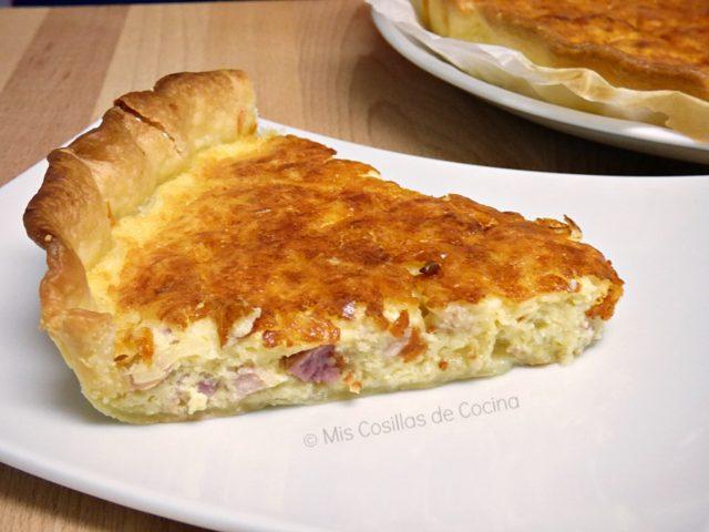 Quiche de cebolla, beicon y queso emmental