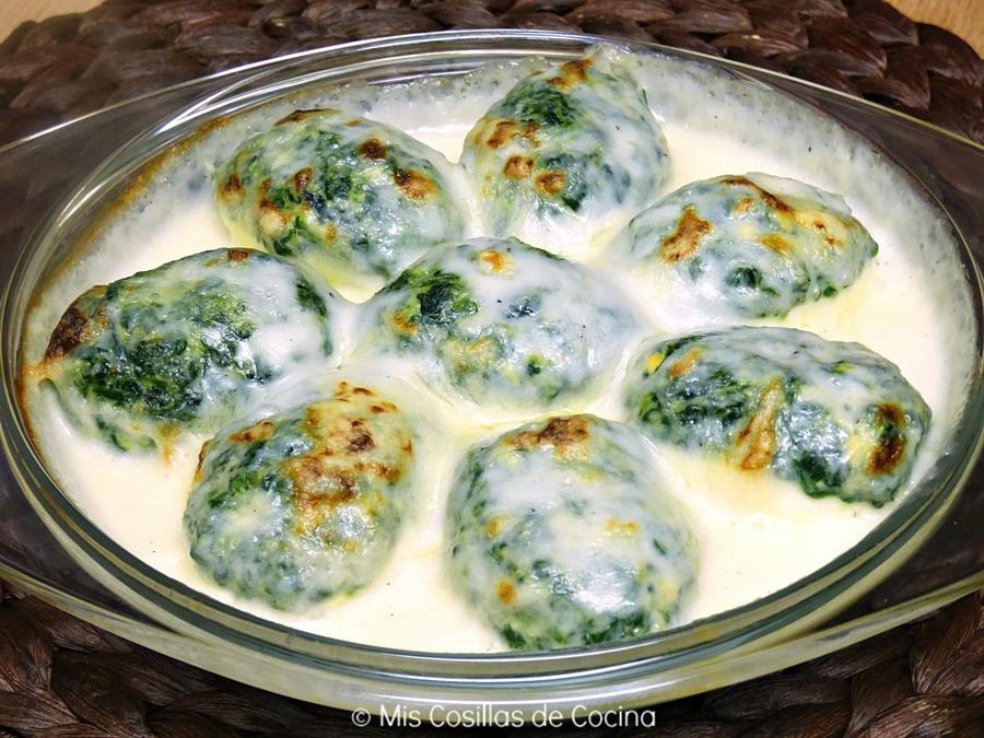 Huevos rellenos de espinacas gratinados