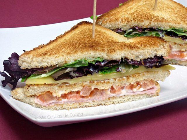 Sándwich completo de jamón y queso