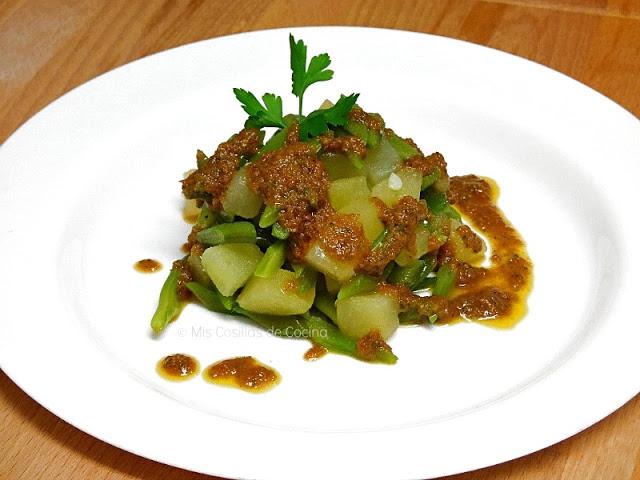 Ensalada de judias verdes y patata con vinagreta de tomates secos