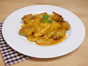 Cazuela de bacalao con alcachofas y patatas al horno