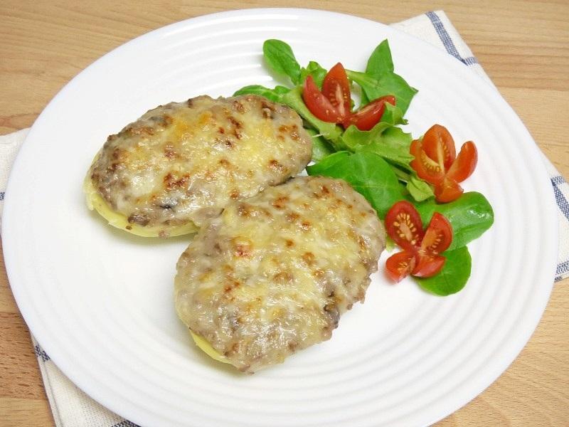 Patatas rellenas de carne y champiñones