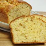 Cake salado de olivas y queso