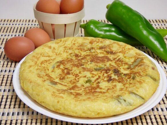 Tortilla de patata y pimiento verde