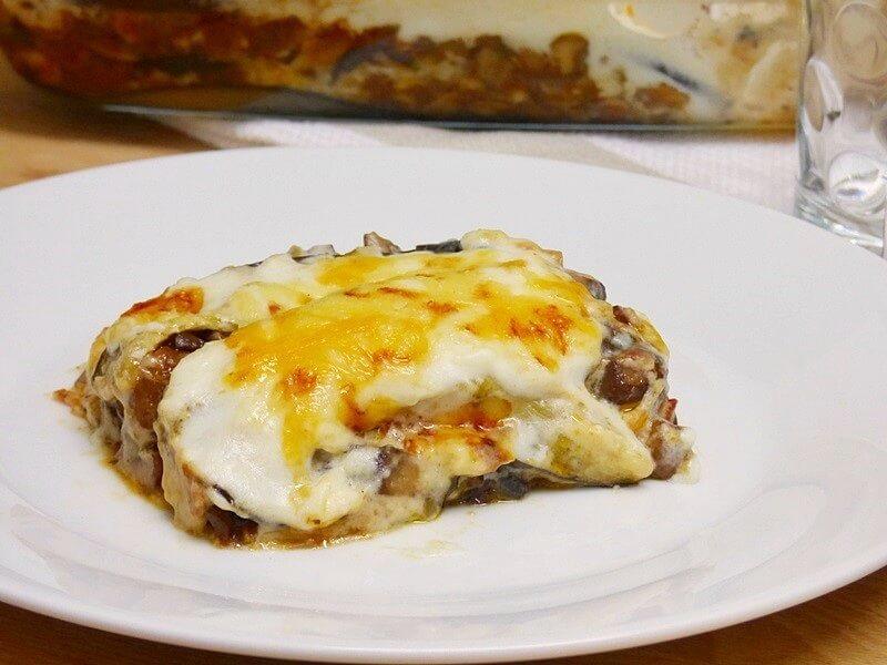 Lasaña de berenjenas y setas portobello con queso