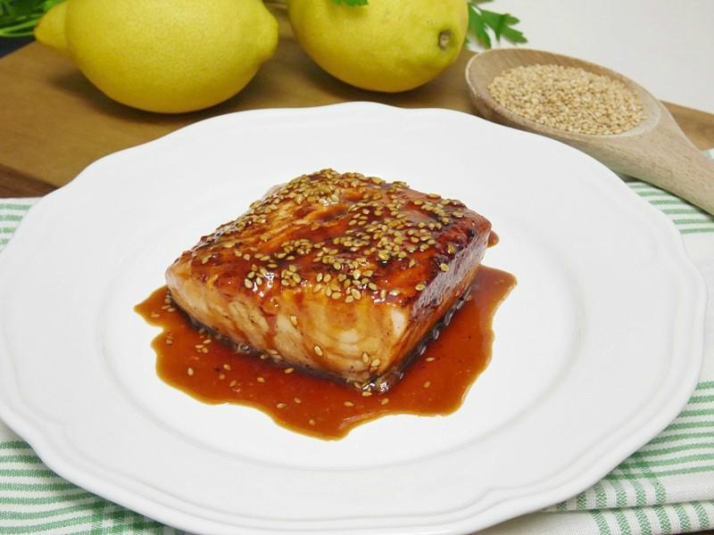 Salmón con salsa de soja