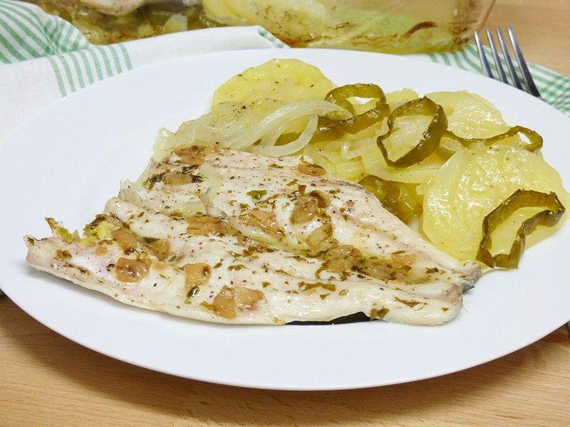 Lubina con patatas al horno